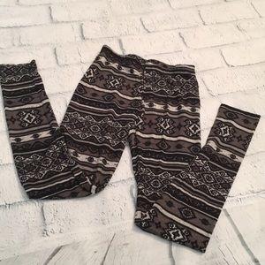 Black tribal print leggings